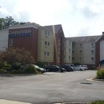 Photo de Candlewood Suites Cleveland North Olmstead