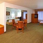 Foto de Holiday Inn Express Hotel & Suites Logan
