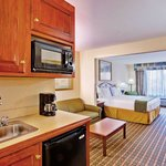 Photo of Holiday Inn Express Hotel & Suites - Meridian