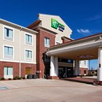ภาพถ่ายของ Holiday Inn Express Hotel & Suites