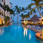 Playa Los Arcos Hotel and Suites Beach Hotel