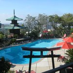 Hollywood Hills Hotel resmi