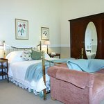 Photo of African Pride Hacklewood Hill Country House