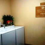 Candlewood Suites Greenville NCの写真