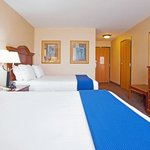 Holiday Inn Express Hotel & Suites Morris Foto