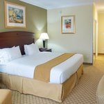 Holiday Inn Express Hotel & Suites Winnie resmi