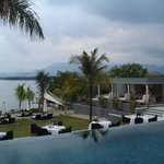 The Lombok Lodge resmi