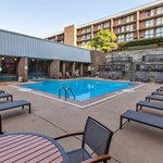 Photo de DoubleTree by Hilton Hotel Pittsburgh-Green Tree