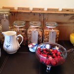 Choice of cereal & fresh fruit .