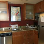 Beautifully well maintained & fully functioning kitchen!