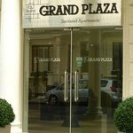 Grand Plaza Serviced Apartments resmi