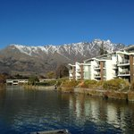 Hilton Queenstown Resort & Spa resmi