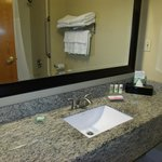 Foto de Country Inn & Suites Savannah Gateway