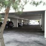 Tiny one level garage. Do not enter with long vehicles!!