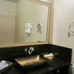 King Size Room Bathroom