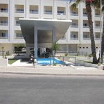 Photo of Hotel BlueBay Porta Nova