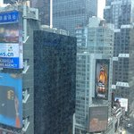 Photo de DoubleTree Suites by Hilton Hotel New York City - Times Square