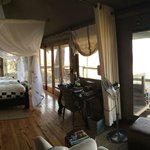 Foto de Wilderness Safaris Little Vumbura Camp