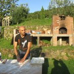 Simone and his pizza oven