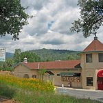 Yosemite Sierra Visitors Bureau - Visitor Center Oakhurst, CA