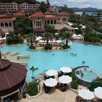 Foto de Centara Grand Beach Resort Phuket