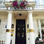 Photo de Byron Hotel
