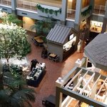 Photo de Embassy Suites Hotel Pittsburgh - International Airport