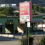 Photo de Cactus Tree Inn
