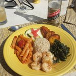 Delicious Jamaican lunch at the caves