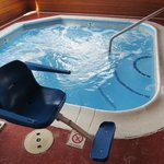 Indoor Hot Tub With Jet Control