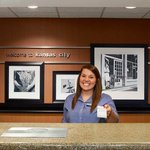 Hampton Inn Kansas City / Village Westの写真