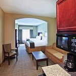 Holiday Inn Express Hotel & Suites McAlesterの写真