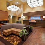 Holiday Inn Express Suites Belmontの写真