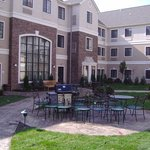 Foto de Staybridge Suites Kalamazoo