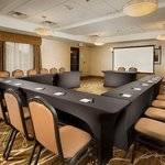 Holiday Inn Express Hotel & Suites Columbia East - Elkridgeの写真