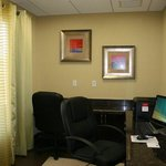 Photo de Holiday Inn Express Hotel & Suites Perry
