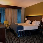 Holiday Inn Express Hotel & Suites Charleston Airport-Convention Center Areaの写真