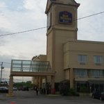 Photo de BEST WESTERN PLUS Montreal Airport Hotel