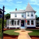 Roux ~ A beautifullhttps://mediay restored Victorian in Provincetown's East End Gallery District