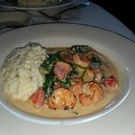 Shrimp & grits with spinach & tomatoes. AWESOME yummiliciousness!