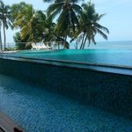 Foto van The Quilon Beach Hotel & Convention Centre