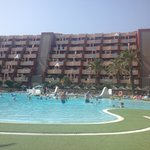 Holiday Village Hotel의 사진