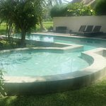 Wading and swimming pools at Bali T-House (Klod)