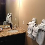 Bella 3 ensuite with plush towels and toiletries