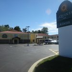 La Quinta Inn Buffalo Airport Williamsville