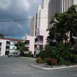 Ample parking space. Apartments at Chelsea Ave., New Kingston