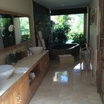 Bathroom Pool villa