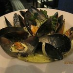 Steamed black mussels in white wine - TO DIE FOR!!