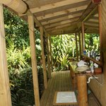 our bathroom (honeymoon fale)