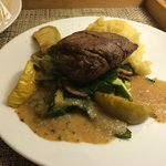 Black Angus tournedos (Room Service)
